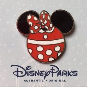 Disney Parks Minnie Mouse Mickey Head Shaped Pin
